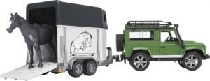 BRUDER Land Rover Defender mit Pferdeanhänger