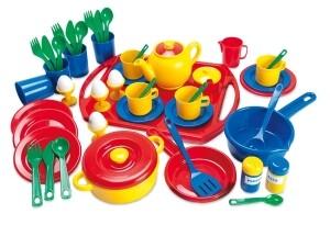 Spielzeug Geschirrset 57-teilig aus Kunststoff