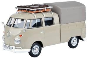 VW T1 beige mit Dachträger und Gepäck